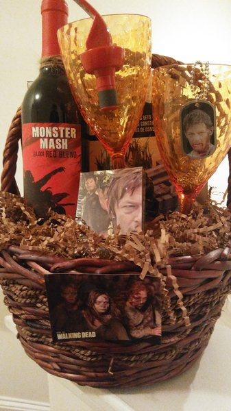 Walking Dead Gift Basket Dylans Unique Gifts Amp Weddings