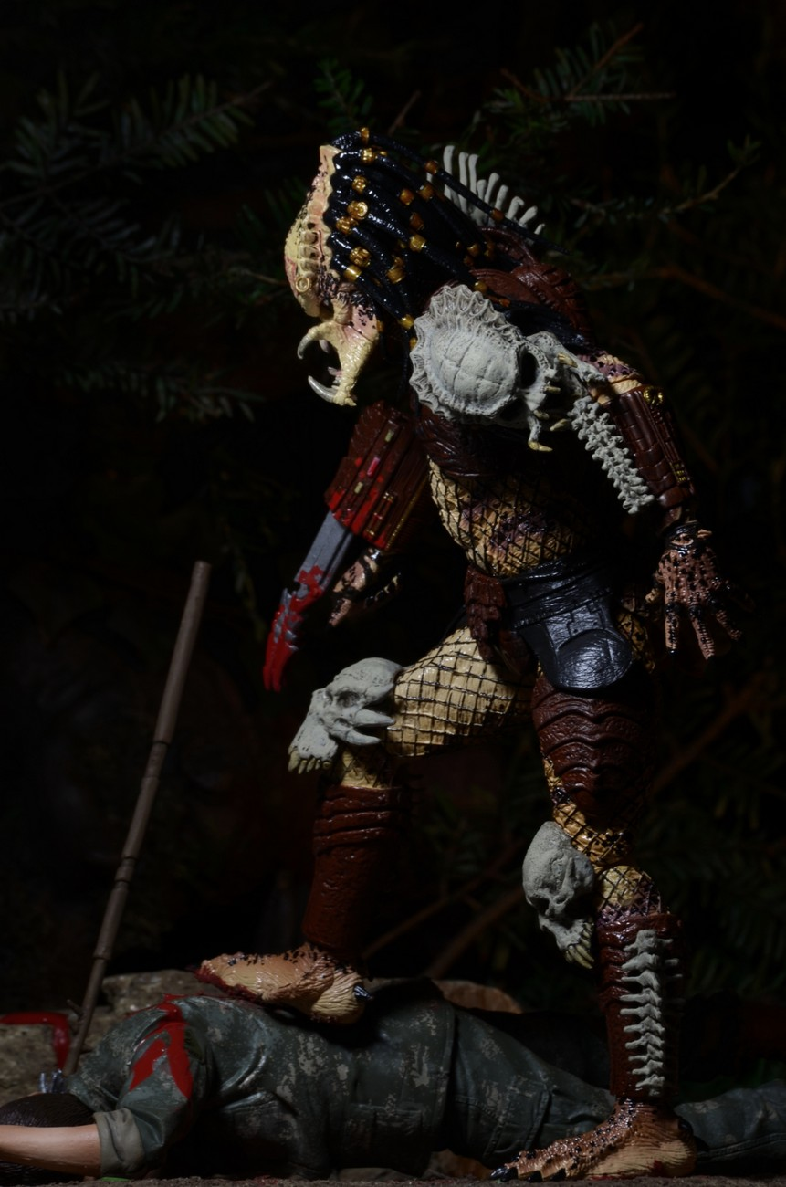 Closer Look Predator Bad Blood Deluxe 7 Scale Action Figure