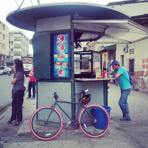 necatpace.org-20130828-instagram-encebollado-don-roberto-guatita