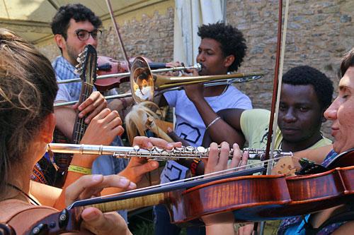 Internationler Folkmarathon im Sudhaus