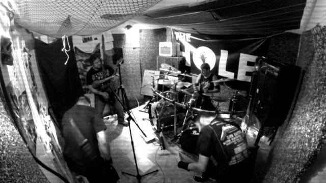 "THE HOLE ""Crushin'"" (VIDEO)"