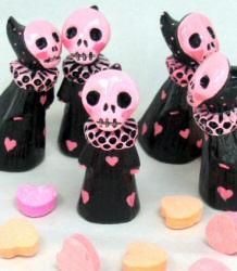 Lisa Snellings-Clark: Pink Skull Poppets