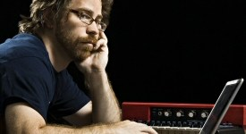 Jonathan Coulton with laptop