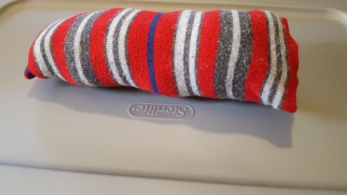 You Can Make A Rectangular Pillow From A Sweater Arm Without Sewing It - Here's How!