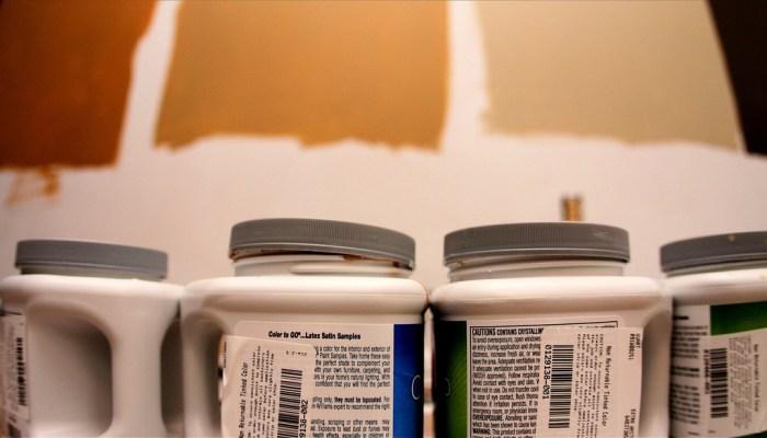 plastic paint cans with lids