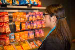 eye tracking retail