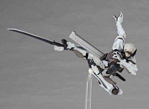 Metal-Gear-Rising-Revoltech-Raiden-White-Armor-005