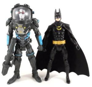 DC Multiverse Batman 10 Compare 02