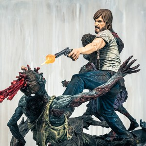 the-walking-dead-comic-rick-grimes-resin-statue-mcfarlane-collectors-club-exclusive-47__scaled_600