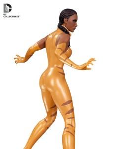 dc_covergirls_vixen_statue_3_580_54111581ab67c0.05420931