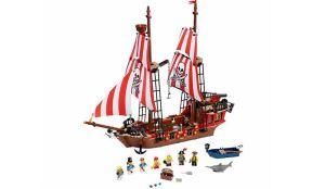 LEGO-Pirates-The-Brick-Bounty-70413-1