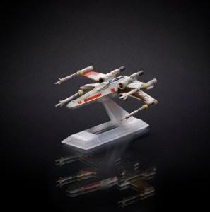 BLACK SERIES TITANIUM_X-Wing B3929_1