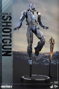 Hot Toys Iron Man Mark XL 11