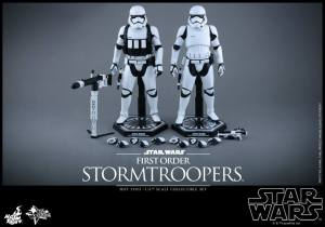 Hot Toys First Order Stormtrooper 02