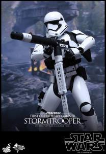 Hot Toys First Order Stormtrooper 03