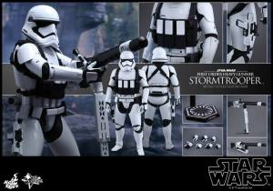 Hot Toys First Order Stormtrooper 07