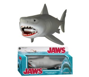 5553_Jaws_Reaction_hires_large