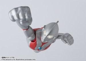 SH-Figuarts-Ultraman-Figure-004