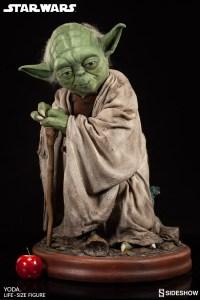 Yoda Life-Size Statue (2)