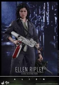 Ellen Ripley (2)