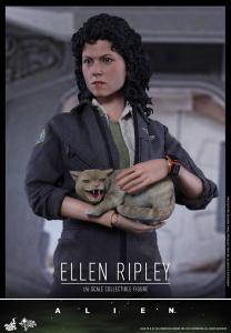 Ellen Ripley (3)