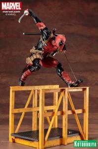 marvel-comics-super-deadpool-artfx-statue-10