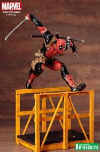 marvel-comics-super-deadpool-artfx-statue-8