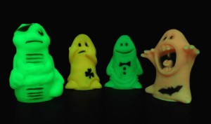 pineapple-glow-ghosts-011