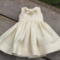Free pattern: Heirloom doll dress