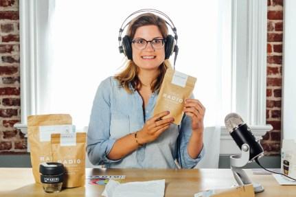 radio-melissa-unpacking-coffee
