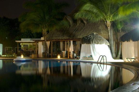 resort_pool_03
