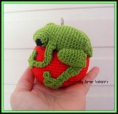 Christmas Critter - Green Tree Frog