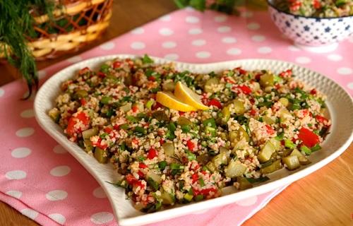 enfes-bulgur-salatasi-tarifi