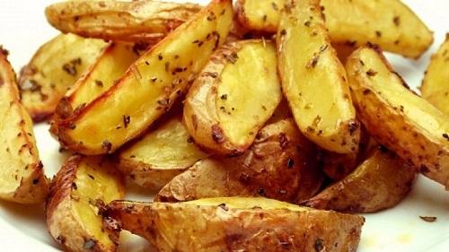 firinda-kabuklu-bebek-patates-tarifi