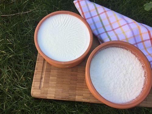 puf-noktalari-ile-ev-yapimi-yogurt-tarifi