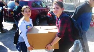 Les adolescents participent a différentes actions de bénévolat.