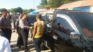 Mobil milik pemudik pengangkut perabotan rumah tangga saat di periksa oleh AKBP Daniel victor tobing