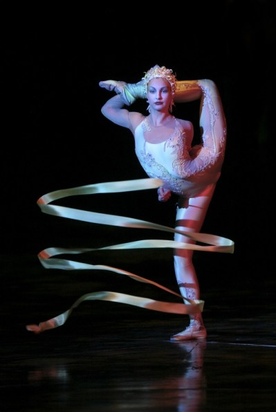 cirque_du_soleil_contortionists13-686x1024