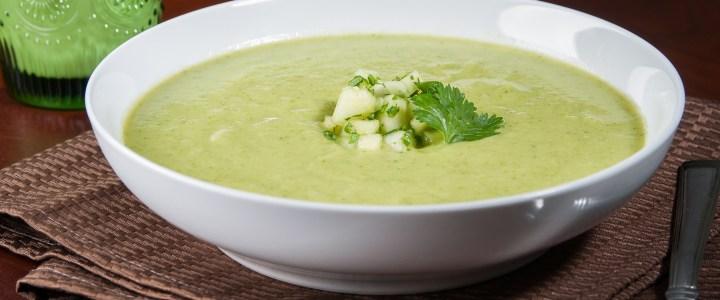 Студена пикантна супа от краставици