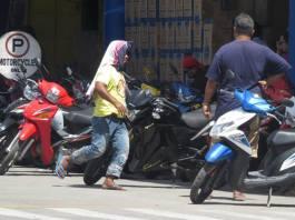 Parking boys Dumaguete