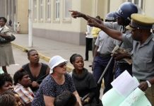 File picture of police disrupting a Women of Zimbabwe Arise (WOZA) demonstration a few years ago