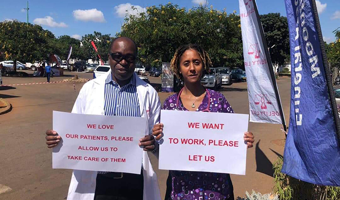 Senior doctors on strike at Parirenyatwa Hospital in Harare, 13 March 2019