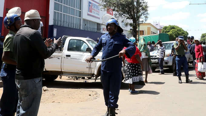 Alcohol sales banned in Zimbabwe