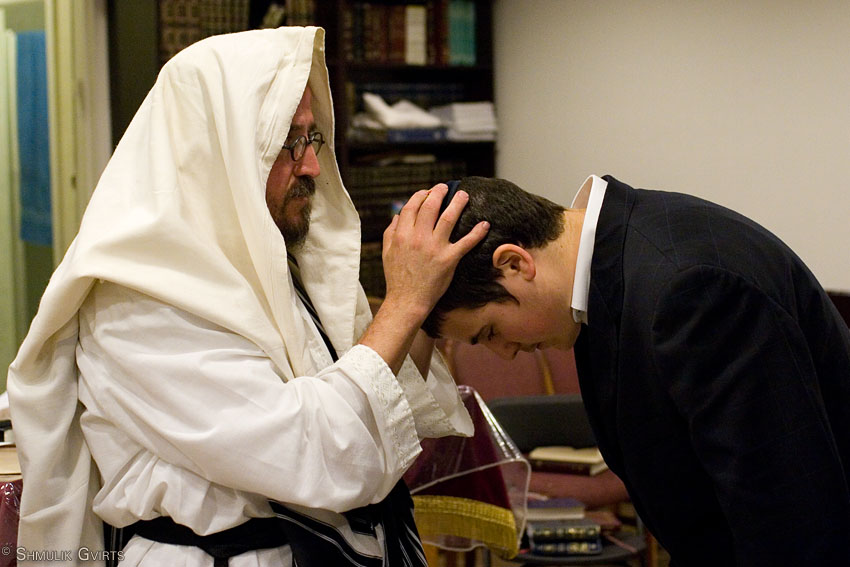 Yizhak blessing Yaakov, as every father blesses his son. From the Zohar