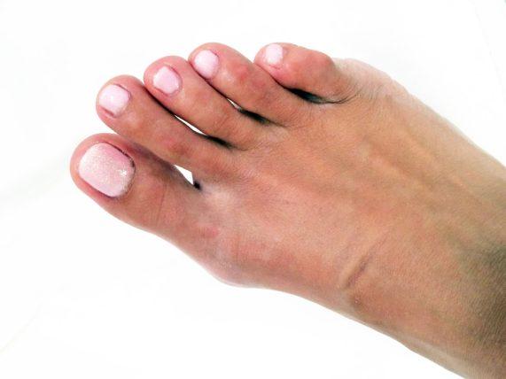 Gelové nehty na nožkách - růžové