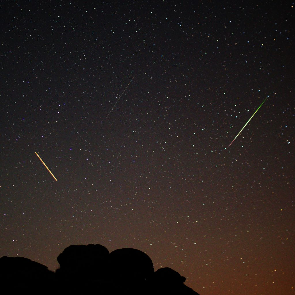 Meteor, Satellite, Aircraft