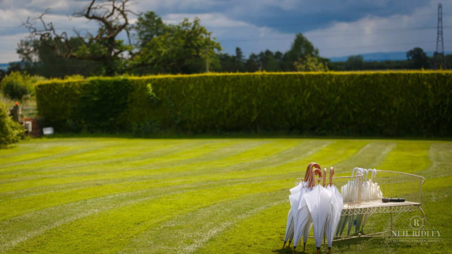 Albright Hussey Wedding Photographer, lawn at Albright Hussey Manor
