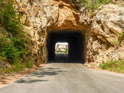 Mount Rushmore visible through the tunnel