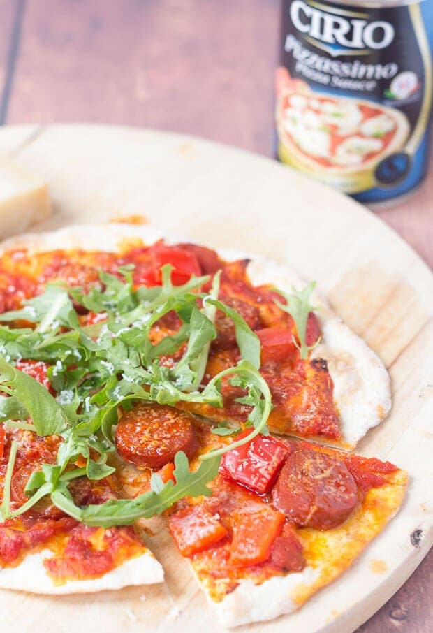 This 30 minutes easy flatbread pizza recipe is just what you're looking for when you're craving a pizza, but not the associated calories! It's quick and easy to make your own flatbread dough base with this recipe, instead of a pizza dough base. No proving is required and the flatbreads are baked in the oven, with your chosen toppings, all in just 30 minutes!