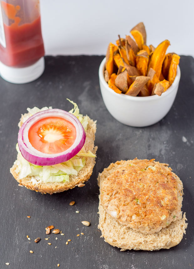 These quick healthy tuna burgers take literally no time at all to make. They're delicious and made with minimal ingredients too. Just tip the ingredients into a bowl, form the patties and you're ready to cook this super low cost flavoursome meat free dinner.
